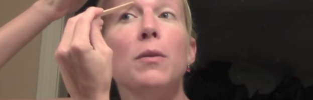 Eyebrow with Quick Trick – Do Top and Bottom at the Same Time
